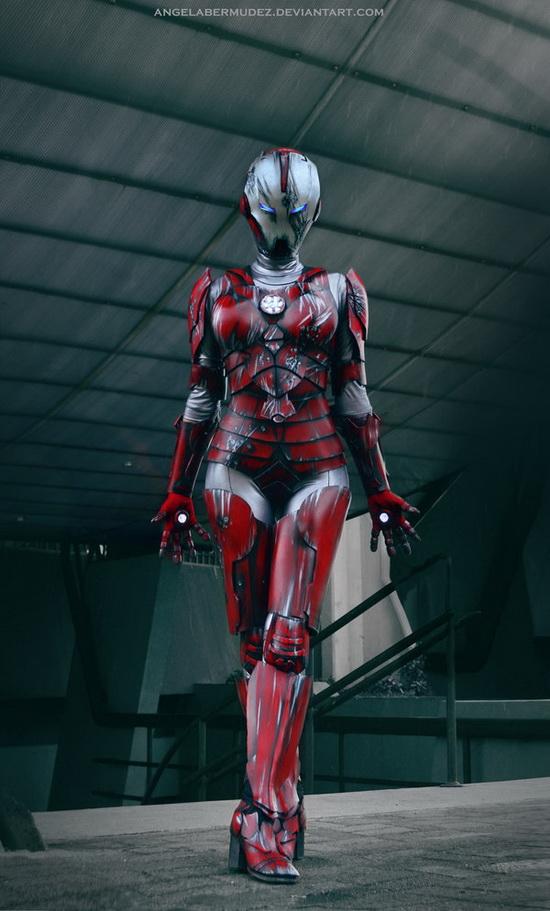 超美钢铁人女孩cos 下回电影主角换人演?